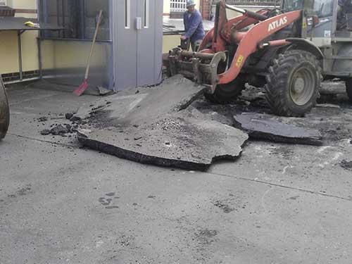 Sanierung des Parkplatzes auf einer Kellerdecke im 2. Hinterhof, Alt Reinickendorf in Berlin